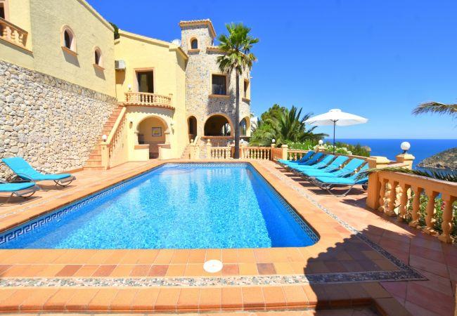5062-1 Casa Castillo al Mar